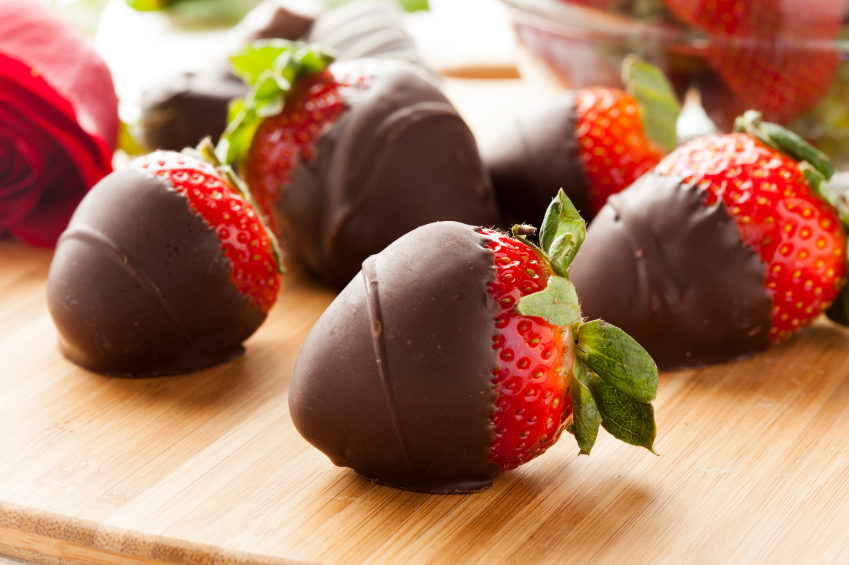 Great-Edibles-Recipes-Chocolate-Covered-Sativa-Strawberries-Weedist.jpg
