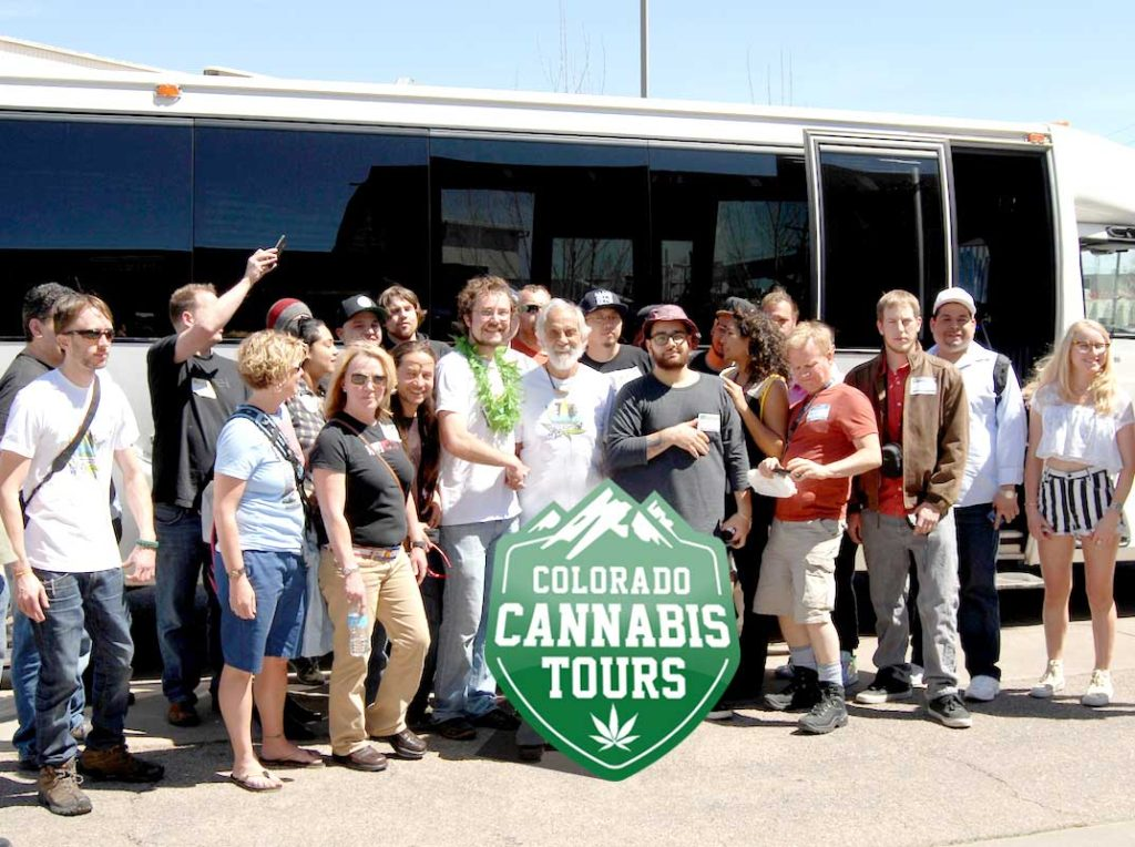 cct-tommy-chong-tour-group-photo