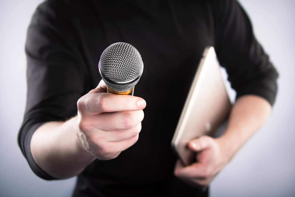 interview-with-microphone